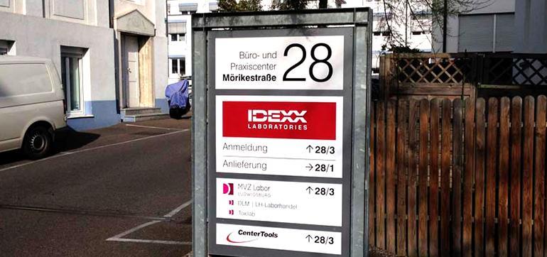 Firmenschilder Firma IDEXX