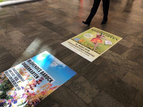 Indoorbodenaufkleber und Sponsorenschilder